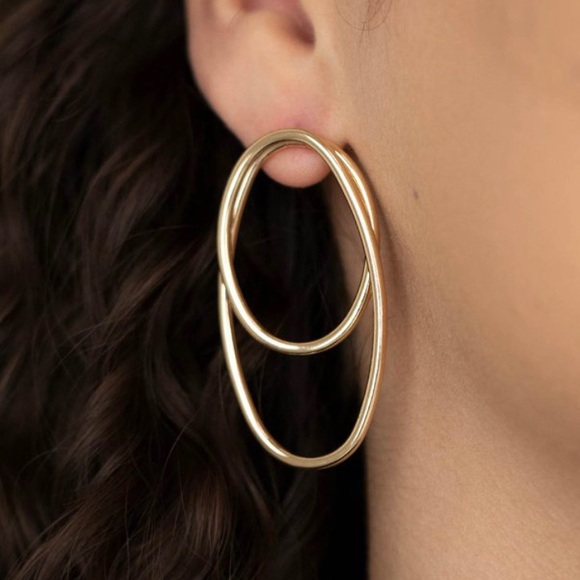 So Oval Dramatic Gold Earrings NWT